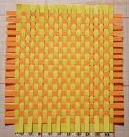 Плетение бумажного коврика