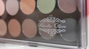 Paleta de sombras neutras Priscilla Oliver