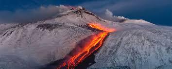 El volcán etna entró en erupción en las últimas horas. Der Atna Vulkan Etna 3340