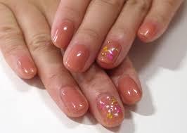 簡単セルフネイルくすみピンク押し花の春ネイル Maquiaメイク