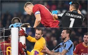 Roma-Lazio, gli errori di Strakosha e Pau Lopez nel derby ...