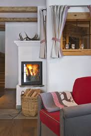 Wohlige Wärme Am Knisternden Kamin Cozy Warmth In Front