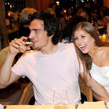 Mats julian hummels (born 16 december 1988) is a german professional footballer who plays as a centre back for bundesliga club borussia dortmund and the germany national team. Wer Hatte Es Gedacht Das Hat Cathy Hummels Studiert