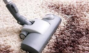 Cara Membersihkan Karpet Bulu dan Permadani
