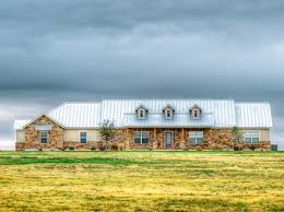 Exquisite Bed Hill Country Ranch   Eurohouse