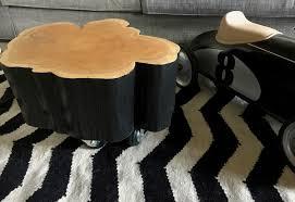 Une Petite Table Basse Rondin De Bois Sur Roulettes Barbatruc Et