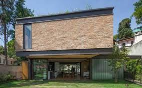 São projetos de casas de um pavimento, ótima para quem prefere casas sem escada e está pensando na facilidade de uma casa térrea quando estiver em uma idade avançada ou quer tranquilidade de não ter uma escada por causa das crianças. Aclive No Terreno Dita Arquitetura Da Casa Casa Vogue Casas