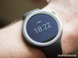 motorola 360 sport. moto 360 sport anylight display in ambient mode motorola