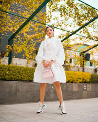 especially for their spring summer 2018 collections louis vuitton redoubled its focus on street