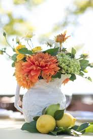 Lots of different white containers for #Centerpieces | Sabine Scherer  Photography | See the wedding