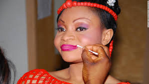 lola ibekwe a nigerian bride in the traditional outfit from the south west region