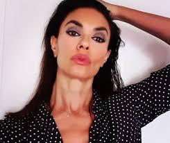Maria Grazia Cucinotta bollente, dal vestito si vede quasi tutto