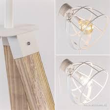 Landelijke Vloerlamp Driepoot Wit Metaal Straluma