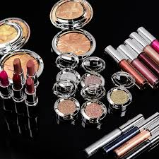 <b>MAC Shiny Pretty Things</b> Colour Collection Swatches