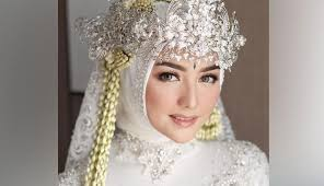 Citra Kirana Elegan Dalam Balutan Kebaya Sunda Saat Akad Nikah Cantik Tempo Co