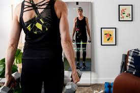 Can The Mirror Really Replicate The Studio Fitness Class Experience For 2021 Reviews By Wirecutter