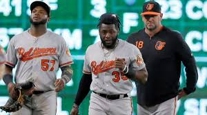 Orioles' Dwight Smith Jr. in concussion protocol, awaiting X-ray on  shoulder after 'car wreck' collision with wall - Baltimore Sun