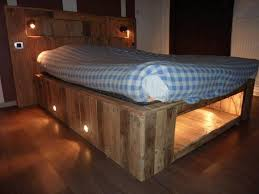 you can modify the pallets to suit your taste and your bedroom cut add or paint see the diffe versions of illuminated pallet beds below and be