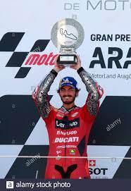 Der italienische MotoGP-Fahrer Francesco Bagnaia vom Ducati Lenovo Team  feiert am 12. September 2021 seinen Sieg beim Tissot Motorcycling Grand  Prix auf der Rennstrecke Motorland Alcaniz in Alcaniz (Teruel) Spanien.  EFE/Javier Cebollada