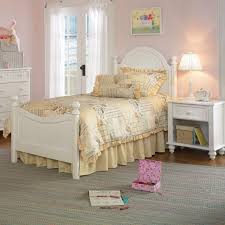 White Traditional Bedroom Furniture | Odelia Design