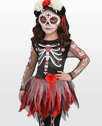 and if you ve got enough time to do some face painting before you head out trick or treating have a go at this day of the dead make up tutorial on you