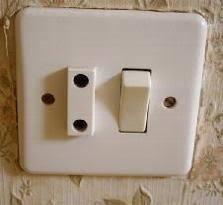 """Résultat de recherche d'images pour """"interrupteurs vetustes"""""""