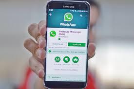 Alívio Com Celulares Um Memória Do Para Exame É Whatsapp Pouca Recurso