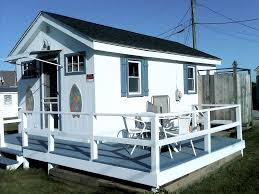 tiny house rental. cute little houses for rent. tiny house rental