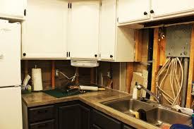 Kitchen Countertops Without Backsplash How To Remove A Kitchen Tile Backsplash