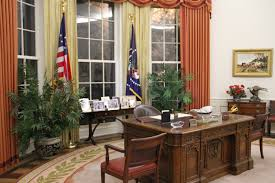 reagan oval office. THIS Is A Replica Of His OVAL OFFICE, Everything In Here Was Office, Except For The Resolute Desk, That Still Oval Office. Reagan Office -