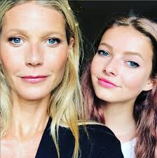 gwyneth paltrow s daughter apple martin leaves insram ment on her mom s photo of them