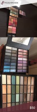 victoria s secret makeup eyeshadow lipstick blush this makeup set is very rare beautiful range of soooo many colors there is eyeshadow of warm and cold