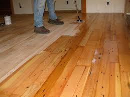 Как правильно выполнить покрытие деревянного <b>пола маслом</b>