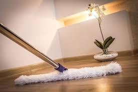 Fliesen lassen sich leichter reinigen, da ihnen weder wasser noch häufiges reinigen mit schrubber und wischlappen etwas anhaben. Vinylboden Reiniger Test Empfehlungen 12 20