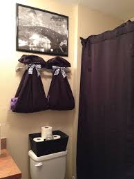 apartment bathroom wall decor. College Apartment Bathroom Decor Love The Towels Tied With Ribbon Wall