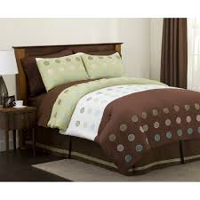 green brown bedding sets with oak wood headboard and dotted style pattern comforter set bedroom