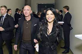 Jeff Bezos Took Lauren Sanchez to Meet ...