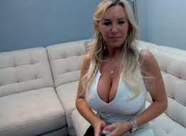 Big Tit Blowjob Slut Milf