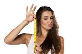 Girlfriend measures penis size