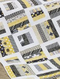 Contemporary Yellow and Gray Rail Fence Quilt & Contemporary Yellow and Gray Rail Fence Quilt. > Adamdwight.com