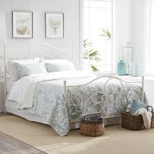 Captivating white bedroom Furniture Ideas Medium Size Of Bedroom Captivating White Iron Bed Curving Metal Scrolls Pattern Shabby Chic Style Shesbed Captivating White Iron Bed Curving Metal Scrolls Pattern Shabby Chic