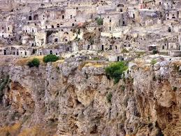 A Matera negli anni '50 si viveva nelle grotte cn gli animali