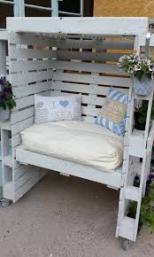 turning pallets into furniture. 22 fascinating ways of turning pallets into unique pieces furniture o