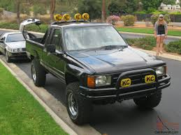 TO THE FUTURE MARTY MCFLY 1985 TOYOTA PICKUP 4X4