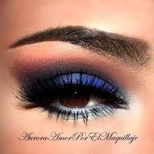 makeup looks for navy blue dress