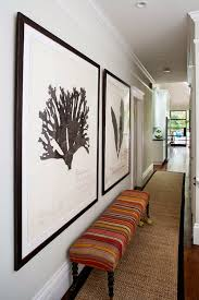 add charme to an hallway with artwork - 10 Easy tips to make your hallway  look