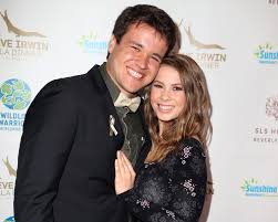 She's 17 & i feel old as hell, but the fact she's continuing the work her father did is heartwarming ^_^. Bindi Irwin And Boyfriend Chandler Powell Are Engaged