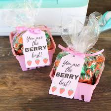 berry basket teacher gift idea