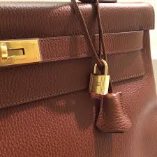 hermes kelly 40. model: hermes kelly size: 40. stamp: b square color: havane leather: ardennes hardware: gold condition: very good receipt: spa receipt 40