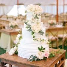best 25 wedding cakes with flowers ideas